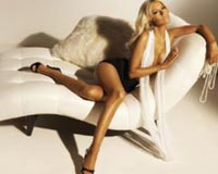 Christina Aguilera On Seat